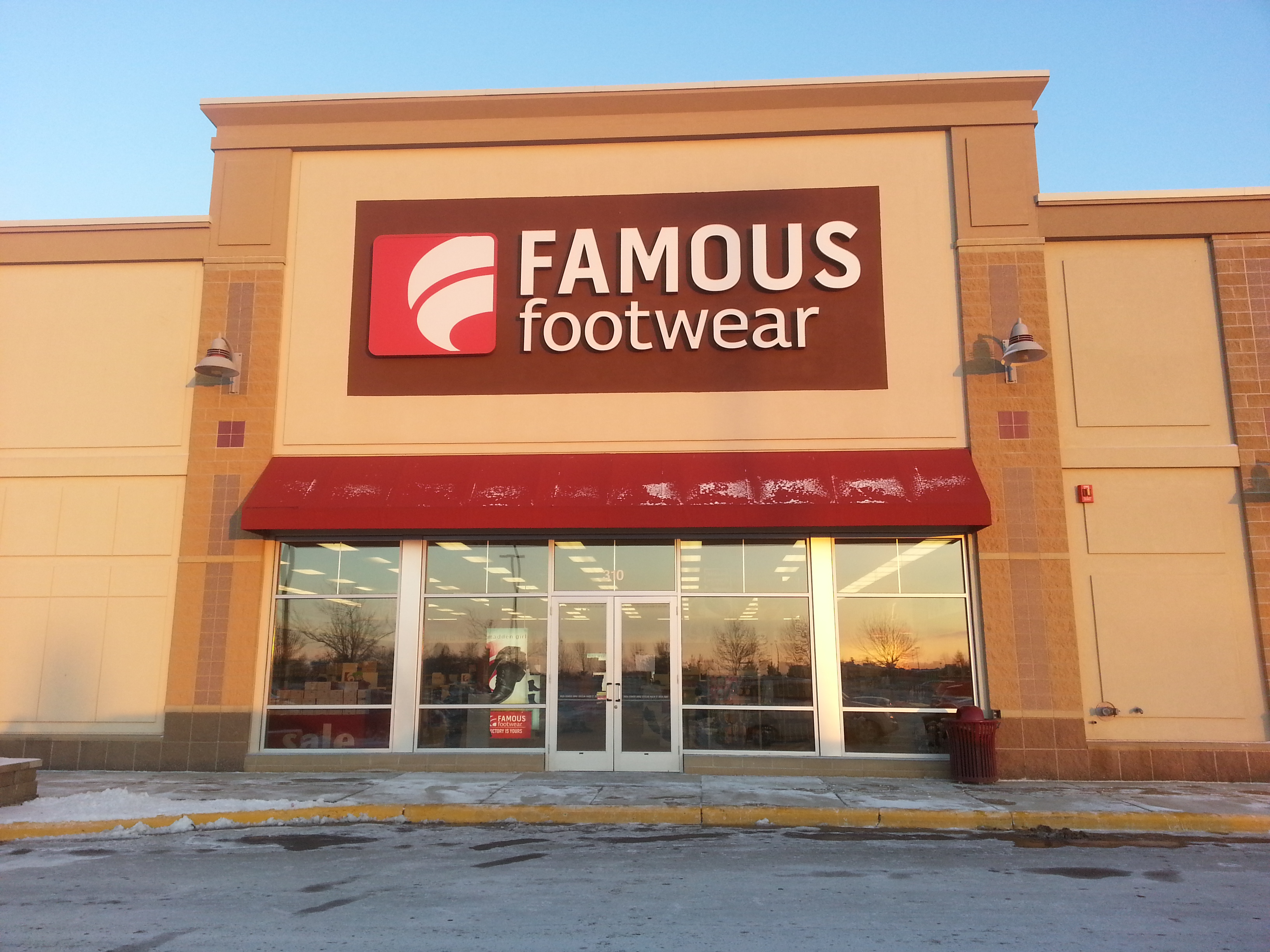 10 items · Famous Footwear locations in San Diego County, CA (San Diego, Carlsbad, El Cajon, Encinitas, ) No street view available for this location. 1. FAMOUS FOOTWEAR: POINT LOMA PLAZA respresentatives - respond and add information. Add review. 9. FAMOUS FOOTWEAR: SANTEE TROLLEY SQUARE.